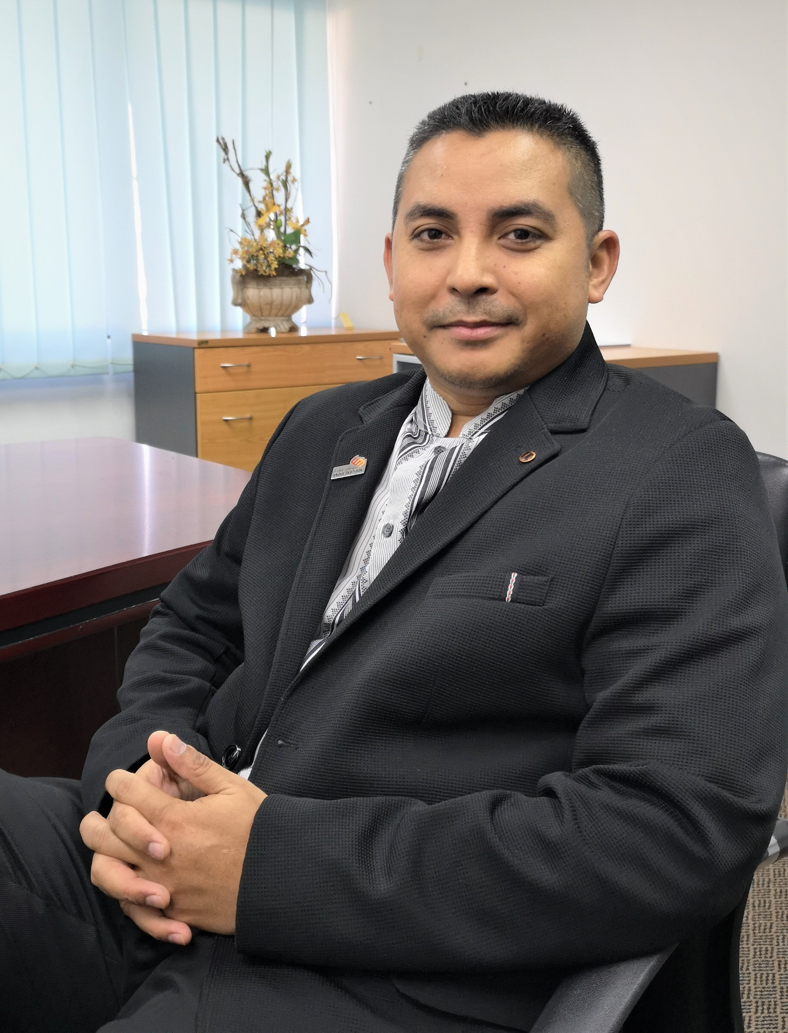 Profesor Madya Ts. Dr. Mohd Rusllim Bin Mohamed