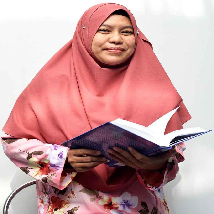 Profesor Madya Ir. Dr Norazwina Binti Zainol